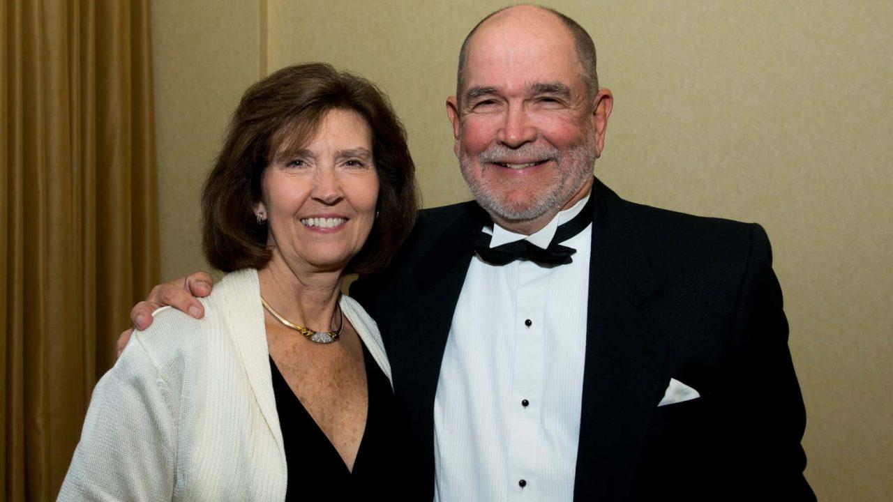 Lundell Receives Algernon Sydney Sullivan Award