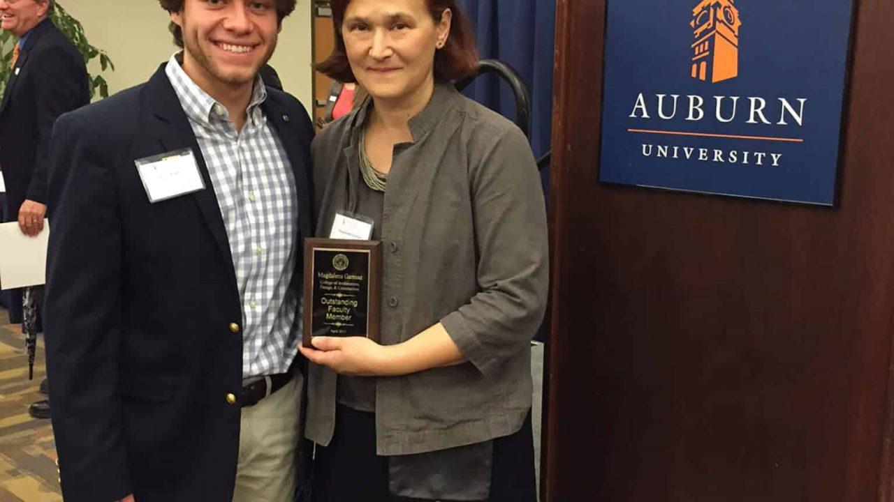 Garmaz Receives Outstanding Faculty Award